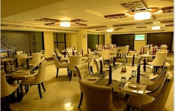 Hotel Bhargav Grand - Restaurant  - #0