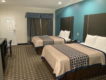 Classic Room, 2 Queen Beds, Smoking, Kitchen (226)