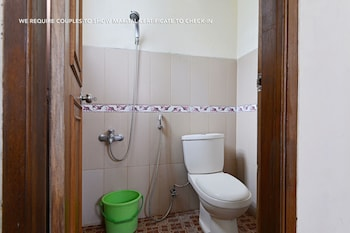 ZEN Rooms Antapani Syariah - Bathroom  - #0