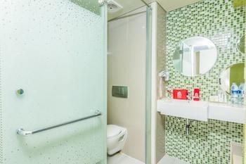 ZEN Rooms Tanjung Benoa Pratama 2 - Bathroom  - #0