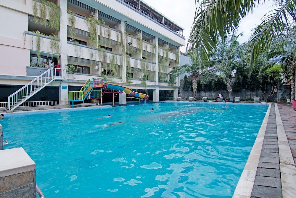 ZEN Rooms Denpasar Padangsambian