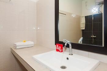 ZEN Rooms Jimbaran Merajapati - Bathroom  - #0