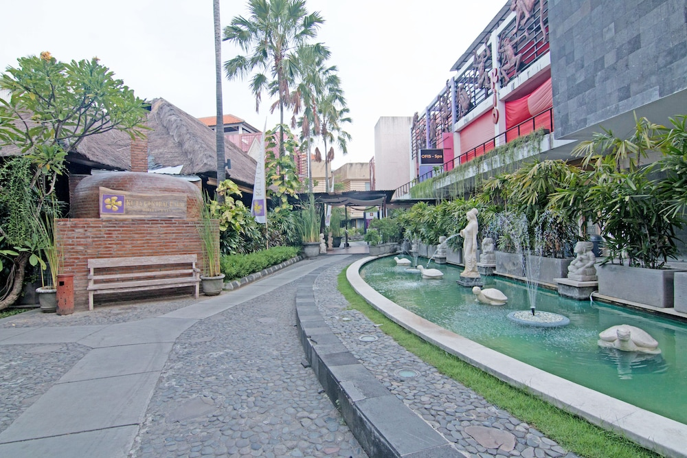 ZEN Rooms Kuta Central Park 1