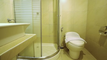 ZEN Rooms Setiabudi Lembang - Bathroom  - #0