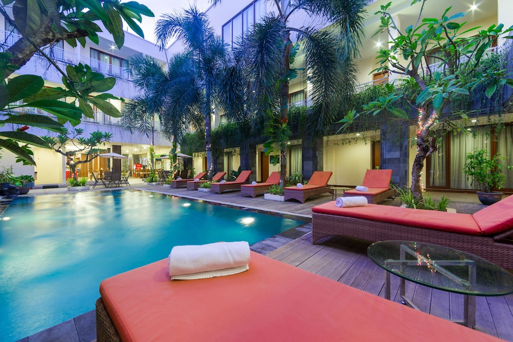 ZEN Rooms Kuta Tuban Suites