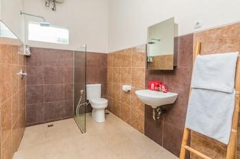 ZEN Rooms Denpasar Padang Mekar - Bathroom  - #0