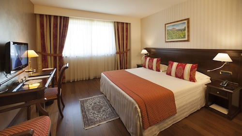 . Hotel Calissano