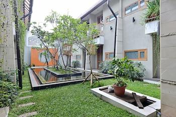 ZEN Rooms Cibeunying Riau - Porch  - #0