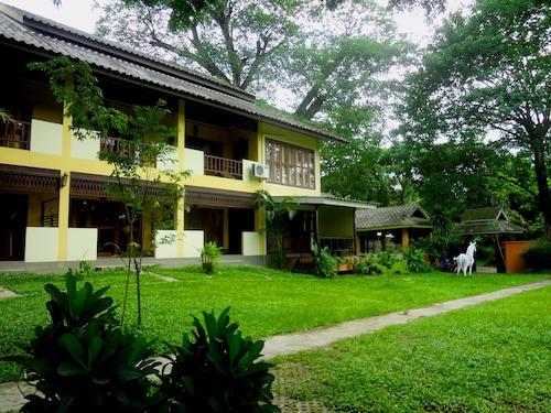 . The Point Villa Mae Hong Son
