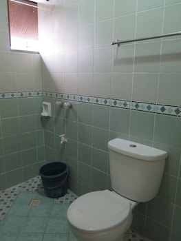 Iloilo Budget Inn - Jaro - Bathroom  - #0