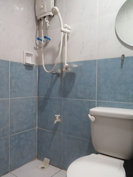 Iloilo Budget Inn - Valeria - Bathroom  - #0