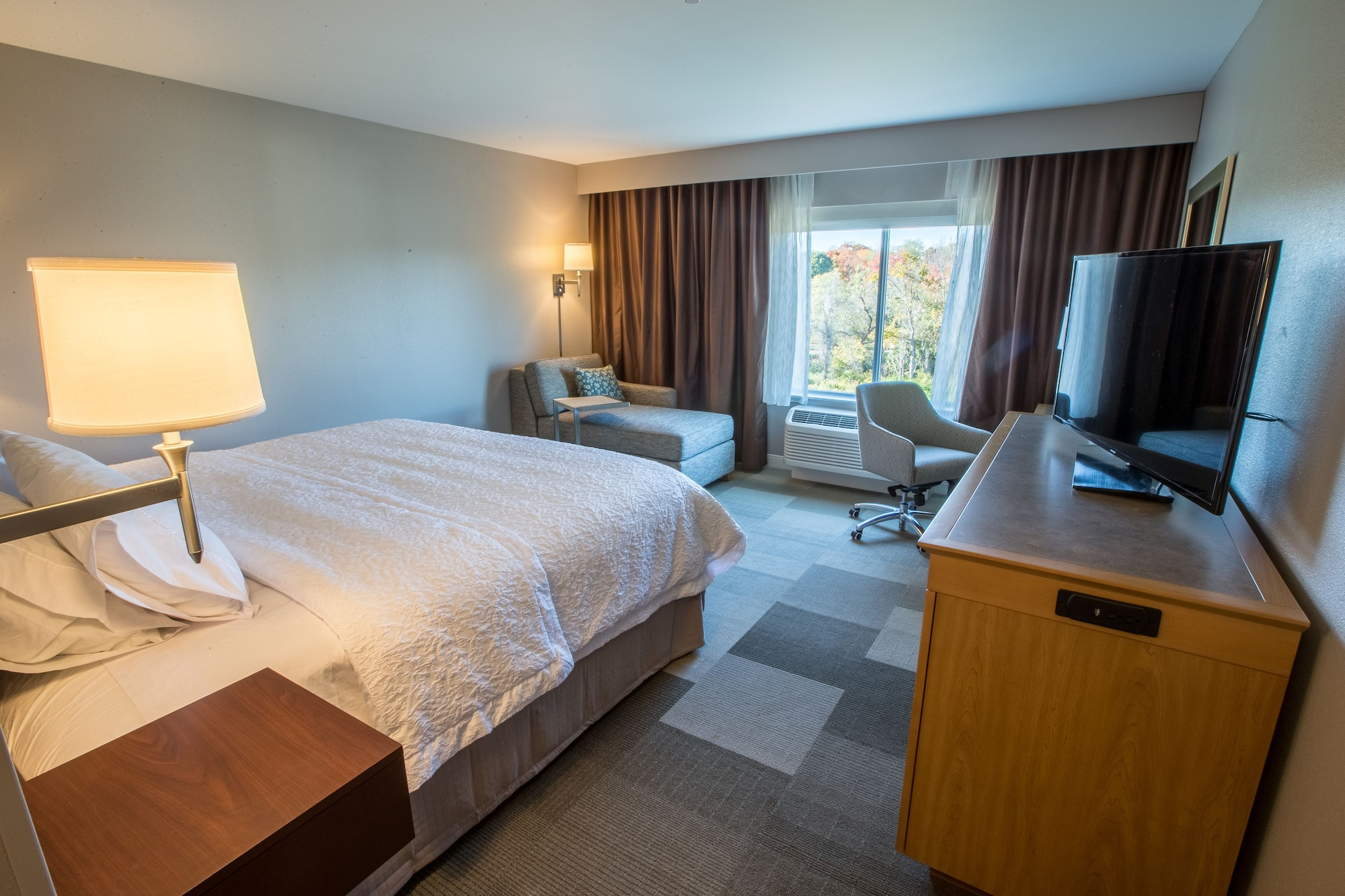 Hampton Inn by Hilton Amesbury, Essex