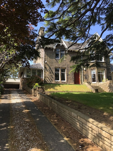 . Lanark Residence