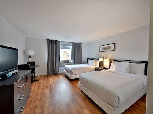 Hotel Newstar, Montréal
