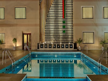 克拉西克財富中心飯店