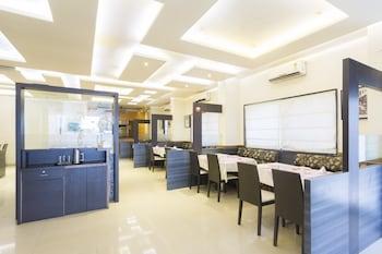 Fabhotel Arya Hinjewadi - Hotel Interior  - #0