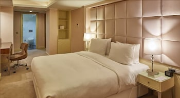 DoubleTree by Hilton Hotel Izmir Airport - Guestroom  - #0