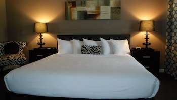 Classic Studio Suite, 1 King Bed, Kitchenette