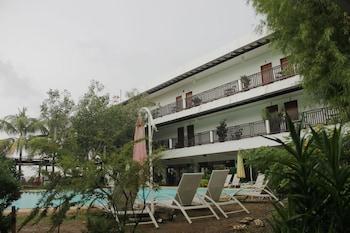 JAMONT HOTEL Outdoor Pool