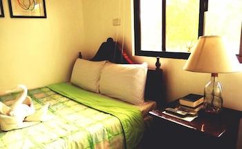 JAMONT HOTEL Room