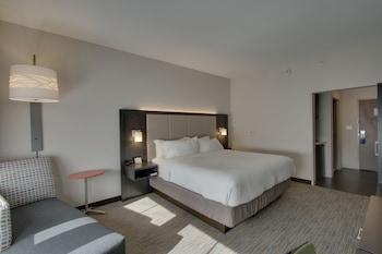 Guestroom at Holiday Inn Express & Suites Charleston NE Mt Pleasant US17 in Mount Pleasant