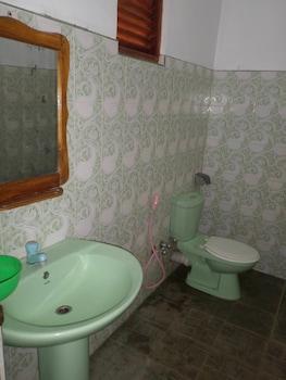 Vista Wanniarachchi Holiday Resort - Bathroom  - #0