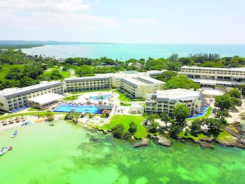 Hotel - Royalton Negril Resort & Spa - All Inclusive