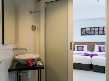 OYO 180 V Hotel - Bathroom  - #0