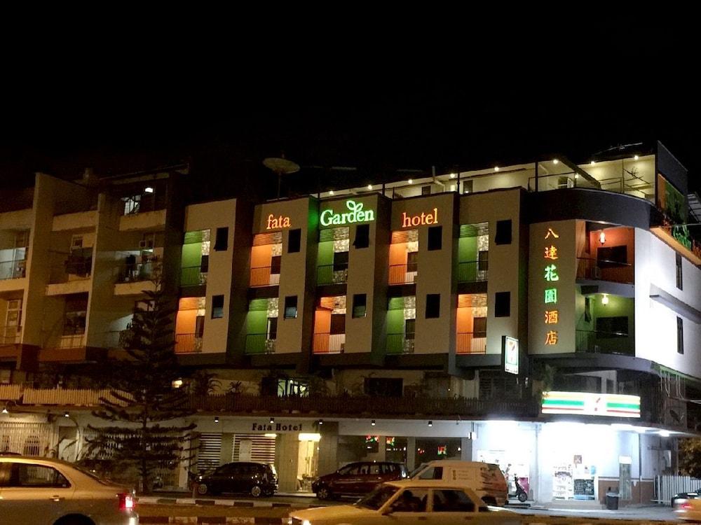ファタ ガーデン ホテル バイ プレイス 2 ステイ