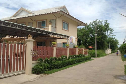 2N Guesthouse, Muang Phetchaburi