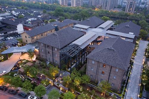 . Cheery Canal Hotel Hangzhou