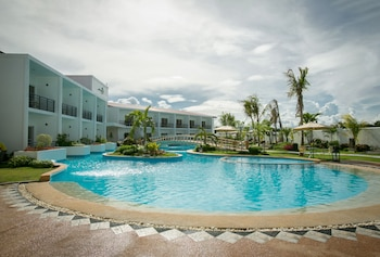 GABI RESORT & SPA Outdoor Pool