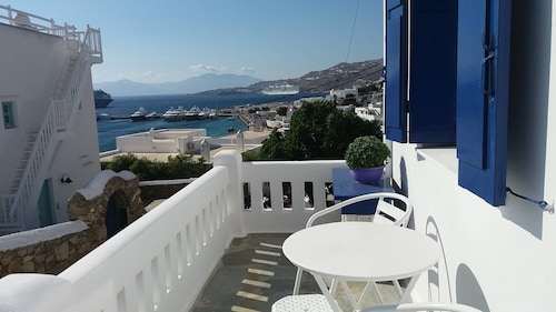 Villa Konstantis, South Aegean