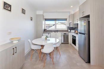 Lake Wendouree Apartments on Grove St - In-Room Kitchen  - #0