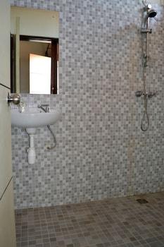 Ivanka Airport Inn - Bathroom  - #0