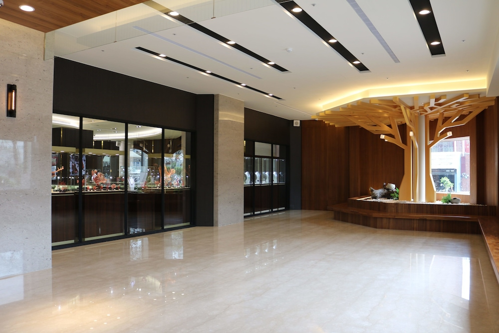 Chii Lih Hotel - Kaohsiung Love River