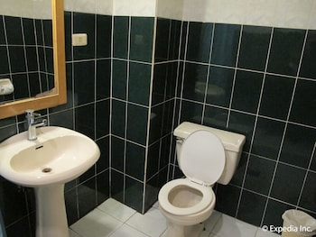 Metro Park Hotel Cebu Bathroom
