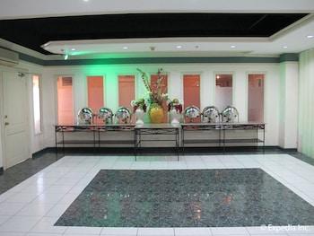Metro Park Hotel Cebu Banquet Hall