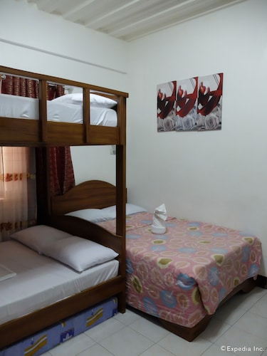 Hotel Mari, Malay