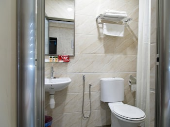 OYO Rooms Ampang Star LRT - Bathroom  - #0