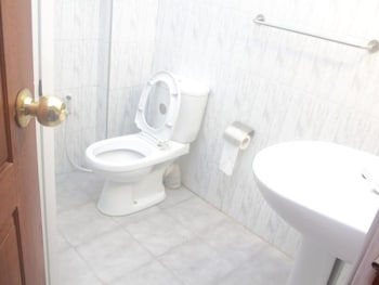 256 Townhouse Rest - Bathroom  - #0