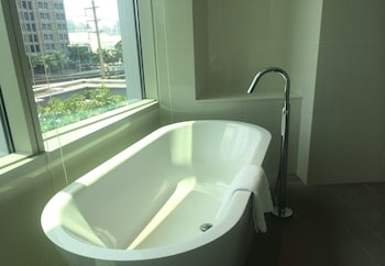 Modena by Fraser Bangkok - Deep Soaking Bathtub  - #0
