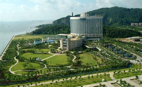 . Guangzhou Nansha Grand Hotel