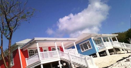 . Mangrove Cay Sea View Villas