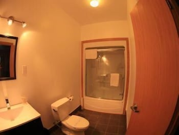 Wabush Hotel - Bathroom  - #0