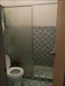 Airportside Inn - Bathroom  - #0
