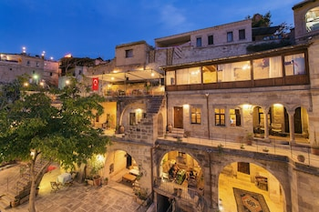 Hotel - Travellers Cave Pension