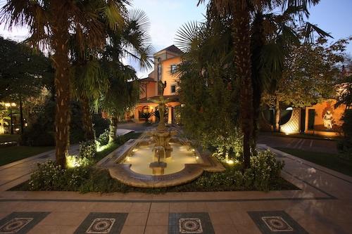 . Hotel Borgo Antico