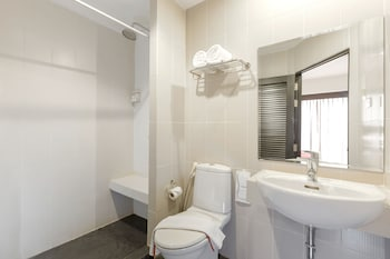 Standard Room, Private Bathroom