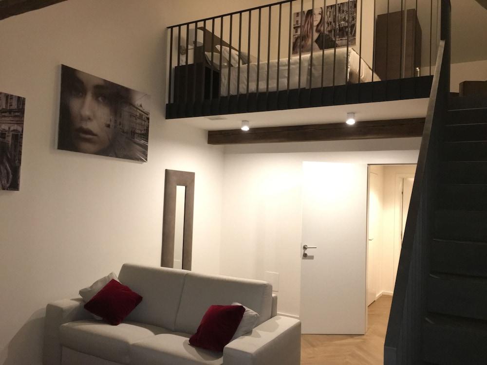 MH Suites Palace